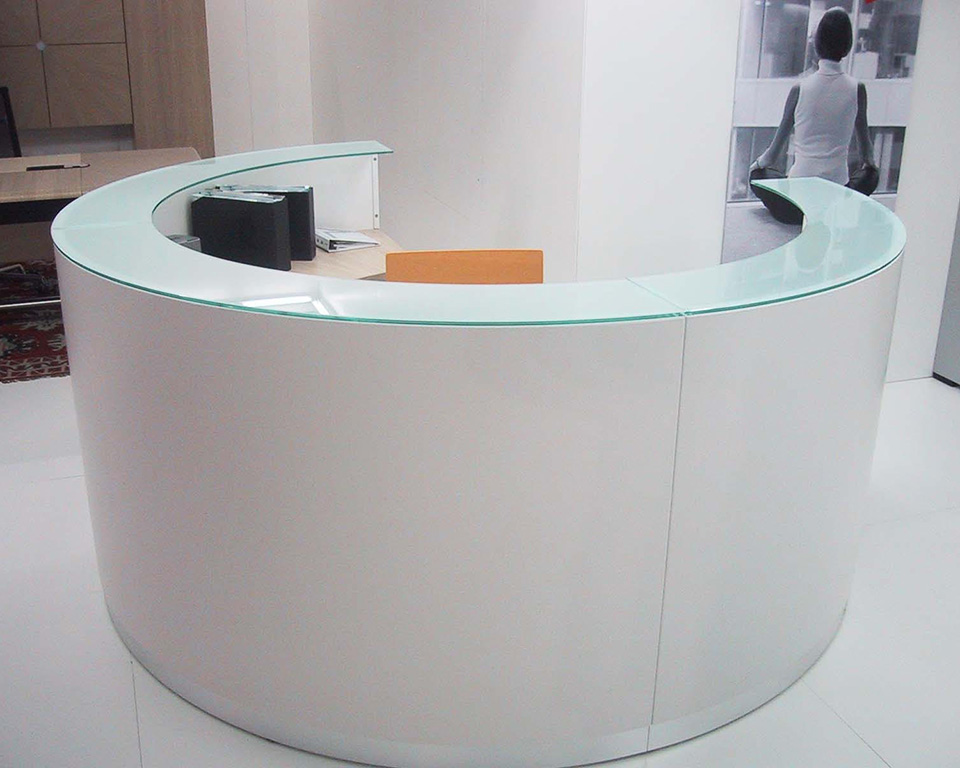 bg-curved- designer reception desks with glass counter top circular composition in white lacquer