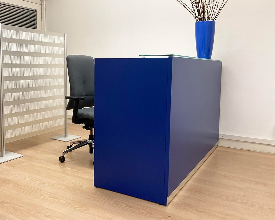 BG Small rectangular reception desks in 15 lacquered colours with Quinta perspex screens and an eclipse executive task chair in grey fabric