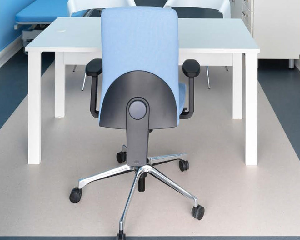 eclipse-chairs-executive fully adjustable task chair in blue fabric