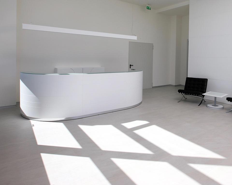 twist-reception-White lacquered large modular reception desk by Lorenzo Marcolin for Ultom Italia