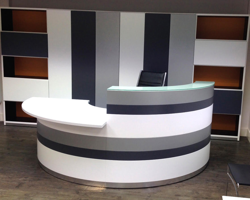 twist-reception-White lacquered large modular reception desk by Lorenzo Marcolin for Ultom Italia with low DDA section