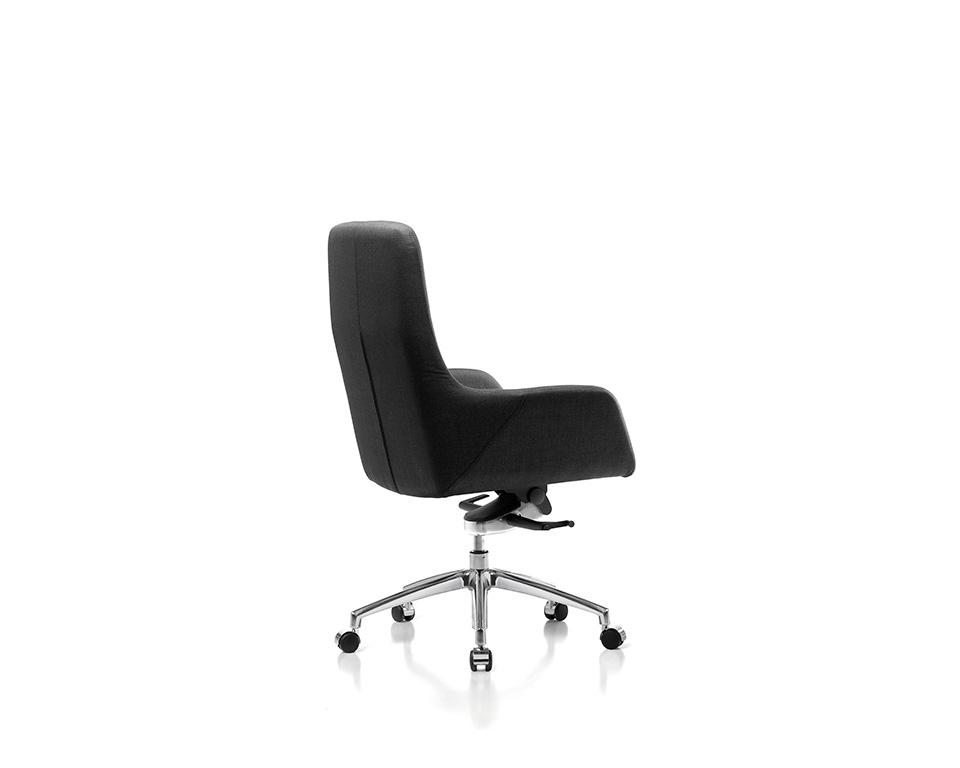 Darwin Luxury medium High back Executive chairs in leather of fabric