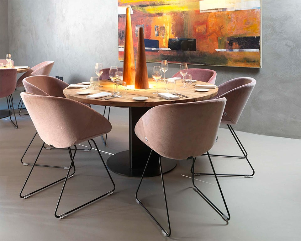 hibiscus-chairs- Dining and meeting style Italian chairs around a round table