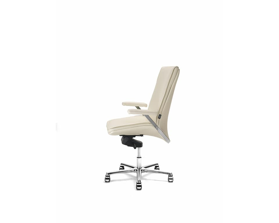 Idesia medium high back Leather executive office chairs cream leather