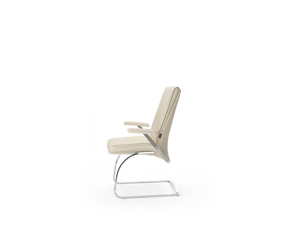 Idesia Matching visitors chairs and stylish boardroom chairs in cream leather side view
