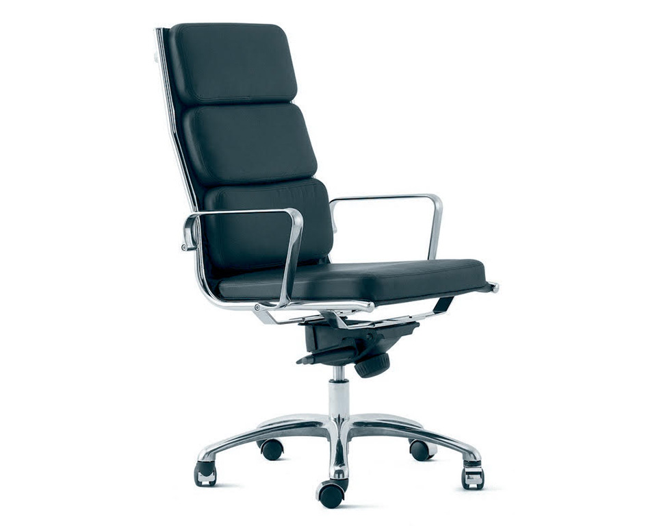 light-padded-Compact high back executive chair in leather