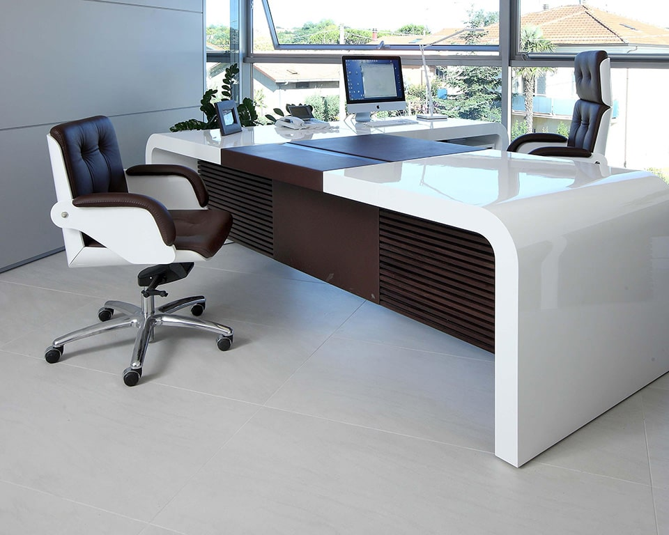 Executive office furniture- High back executive chair in leather and white gloss with White gloss Tau CEO desk