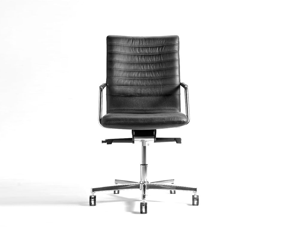 Tempo Medium High back black Leather Executive chair with upholstered arms