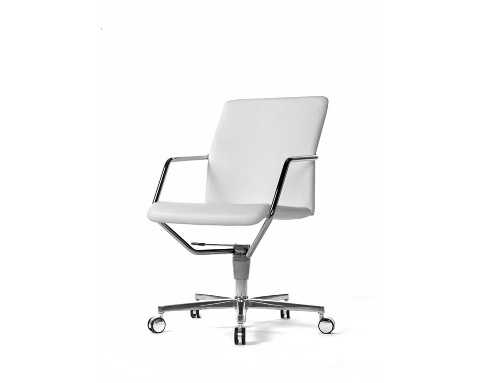 Tempo deluxe Meeting room chairs and home office chairs in fabric or leather with 4 spoke return swivel base in white leather front view