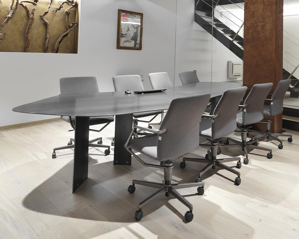 Tempo meeting room chairs in grey fabric - grey die cast aluminium frame and arms