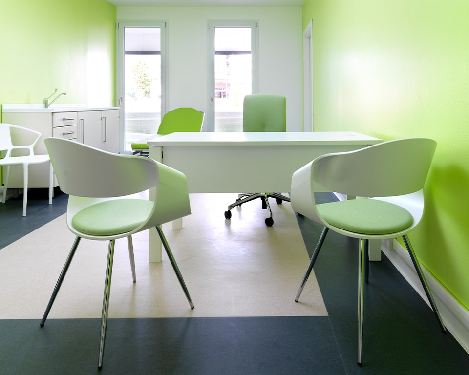 High quality designer meeting chairs - With white matt lacquered backs and a small upholstered seat pad with chrome legs