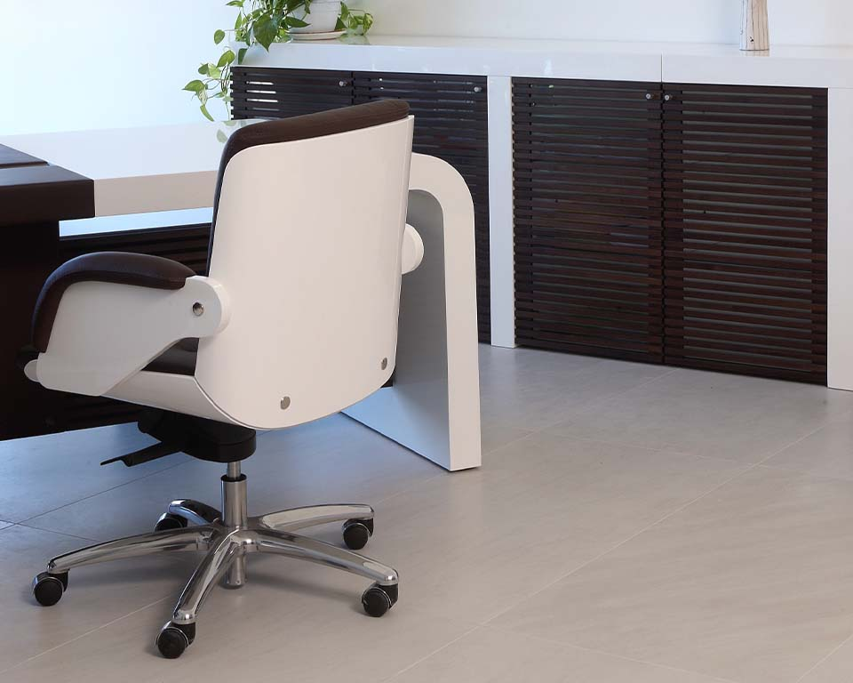 Premium quality white gloss executive office chairs in high back or medium high back models. Rear view of white gloss chair.