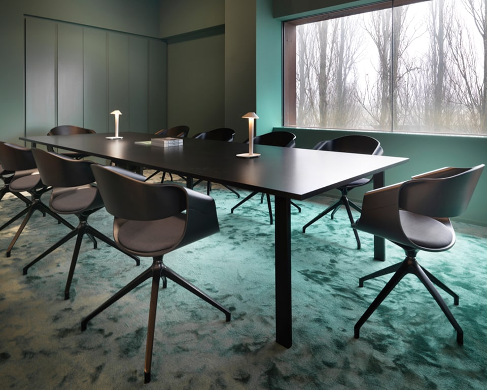 Designer boardroom chairs - Stylish high quality Italian swivel chairs with curved back detail and an upholstered seat pad