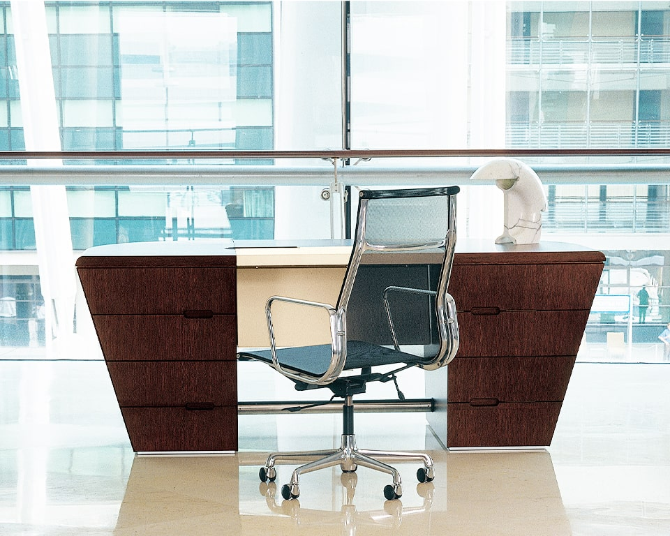 Luxury Double pedestal executive desk in real wood - Shown here in the extra large 2500 wide version with a leather writing area and modesty panel. Shown with a high end aluminium group by Charles Eames.