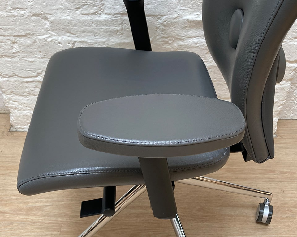 High quality Executive office chairs -Leather arm pads on the high quality Eclipse Executive office chairs. Shown here in dark rey leather